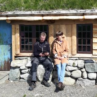 Odd-Geir Rosland og bygningsantikvar (og kurshaldar) Kirsten Hellerdal Fosstveit